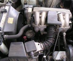 Двигатель M40B16