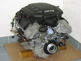 Двигатель S65B40